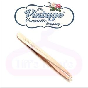 Vintage Cosmetics Makeup - Vintage Cosmetics•Rose Gold•Slanted Tweezers